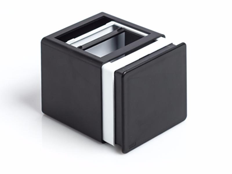 complex-plasticna-rasklopiva-casa-za-olovke-crna