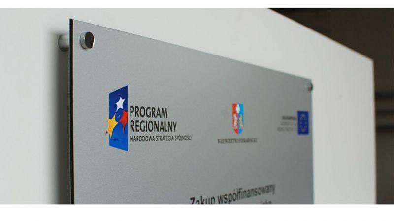 reklamni-materijal-swa-tim-stampa-na-alubondu-direktna-stampa-na-alubondu-tablica-unijna-dibond-z-nadrukiem-120x80-